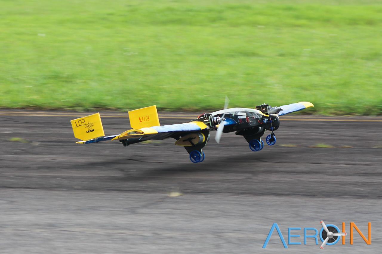 Equipe Leviatã, do Instituto Tecnológico da Aeronáutica, campeã da classe Advanced.