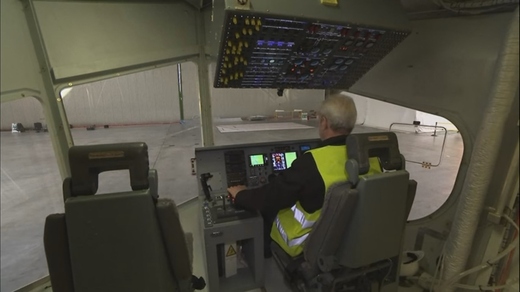 Airlander 10_05