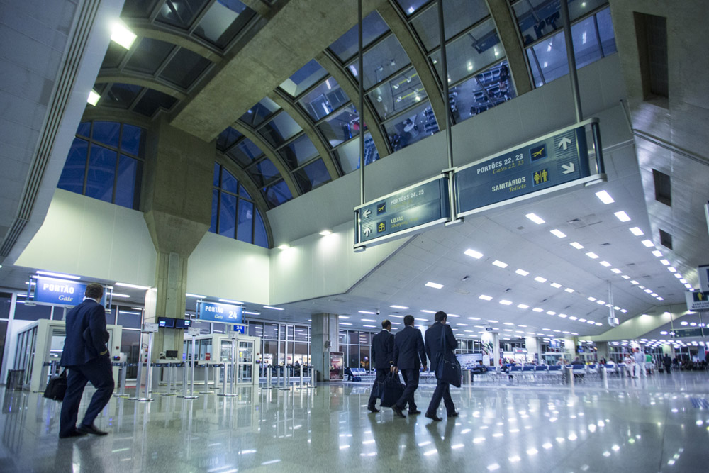 riogaleao-aeroporto-internacional-tom-jobim-novembro-azul