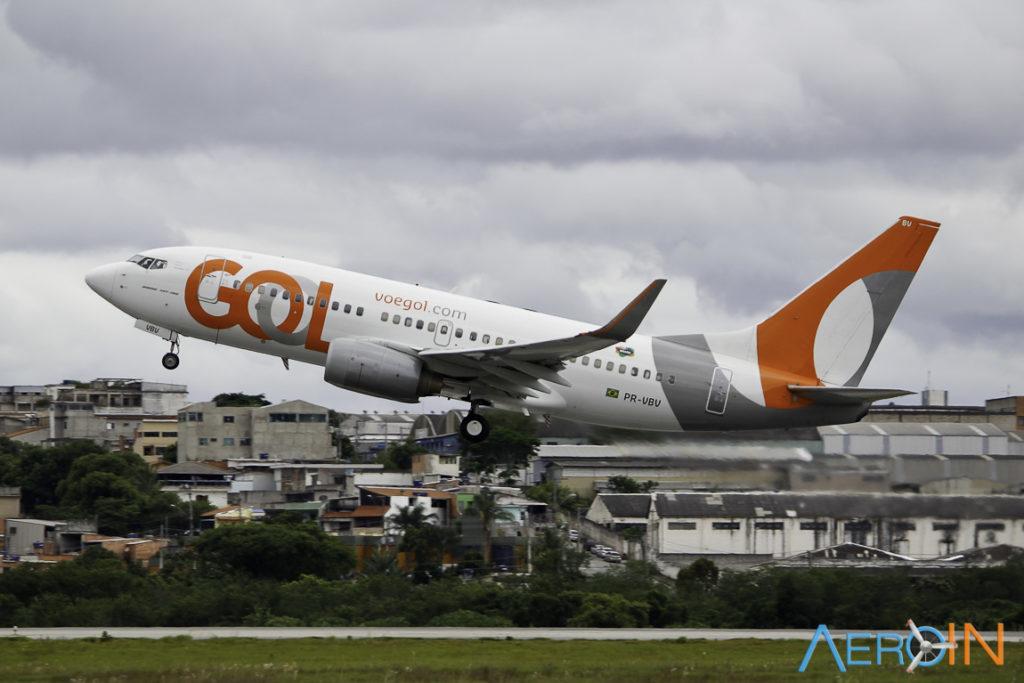 Avião Boeing 737-700 Gol