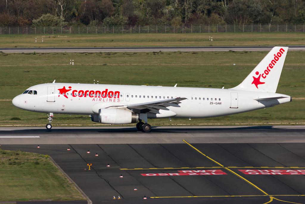 Avião Corendon Airbus A320