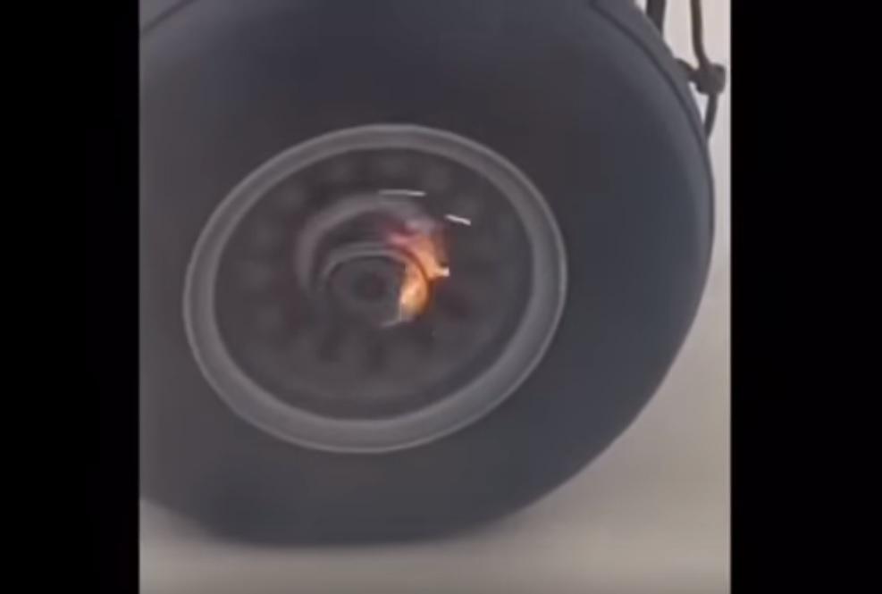 Vídeo Perda Roda Decolagem Dash 8-300 Jazz Canada
