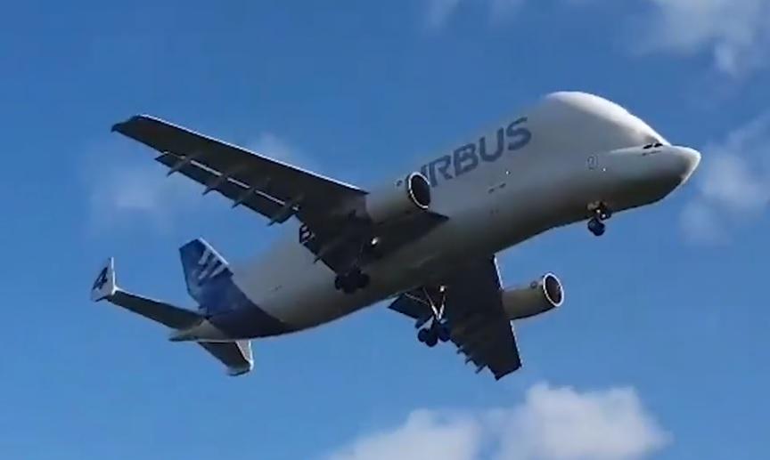 Avião Airbus A300-608ST Beluga Vídeo Arremetida