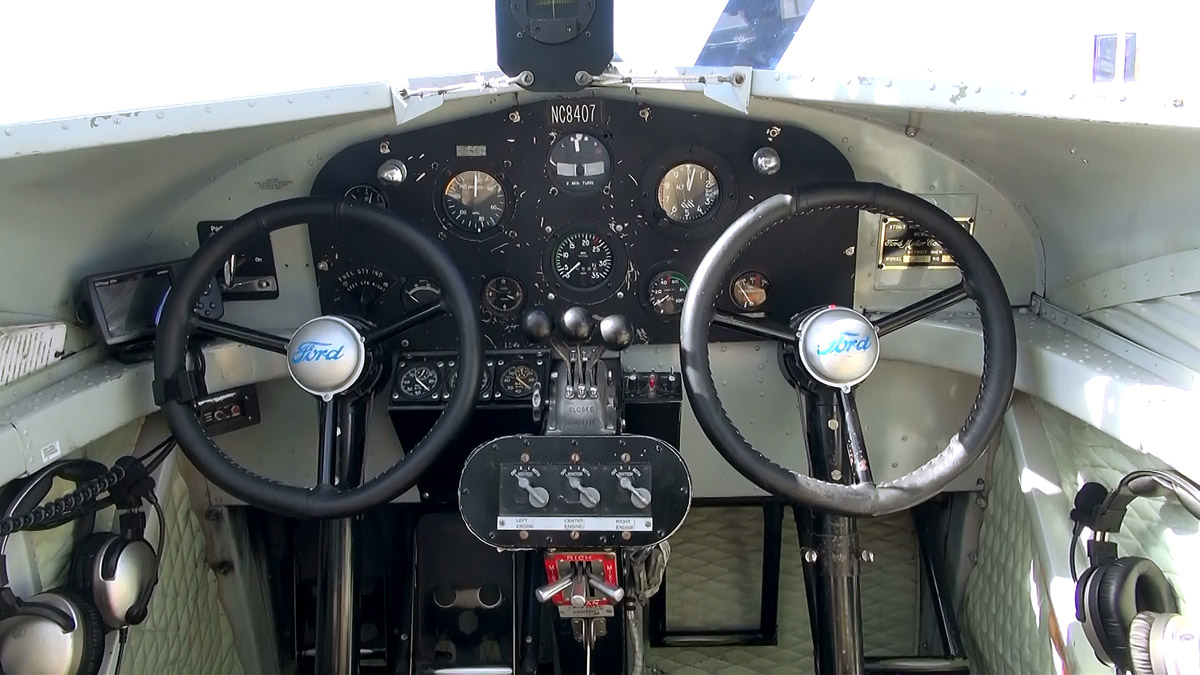 trimotor_cockpit
