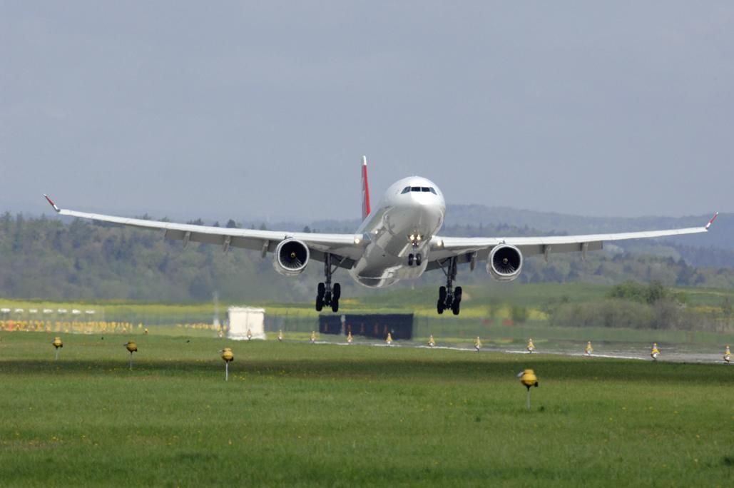 Aeronave da SWISS, que vai oferecer voos extras para o Brasil