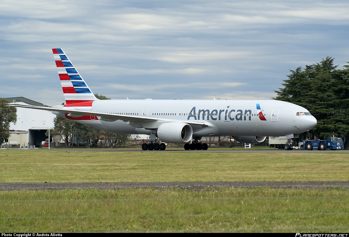 N776AN-American-Airlines-Boeing-777-200_PlanespottersNet_378264