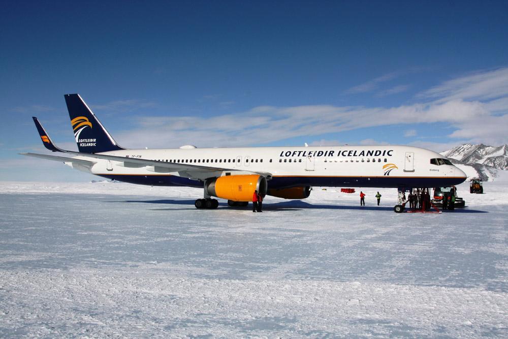 Icelandic-757-Antarctica