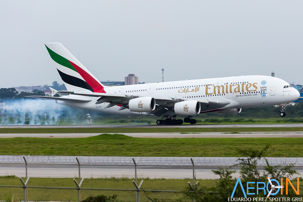 a380-emirates_23976282151_o copy