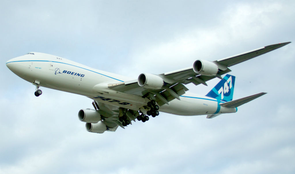 Boeing_747-8F_N5017Q_in-flight