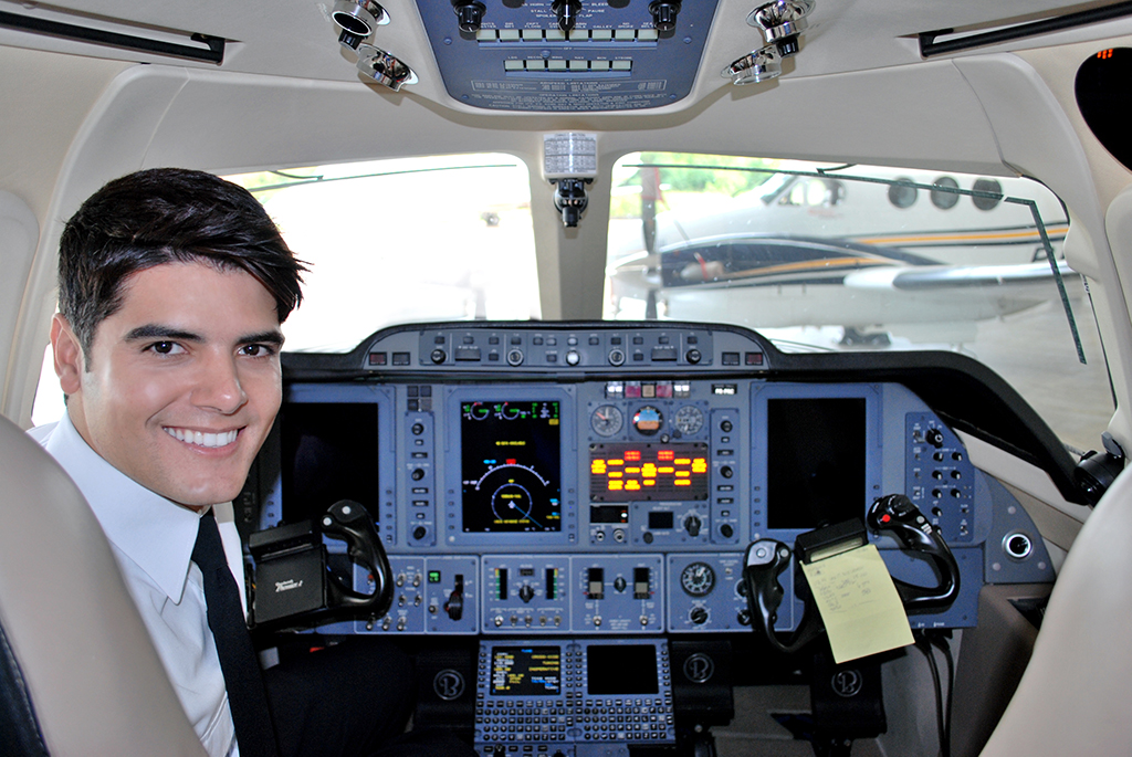 Resultado de imagem para Piloto de aviao