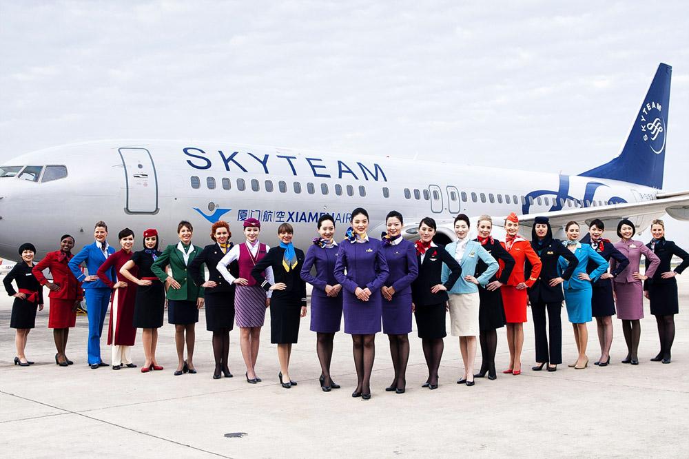 10 dos mais elegantes uniformes de tripulação do mundo. 506a3e730b2