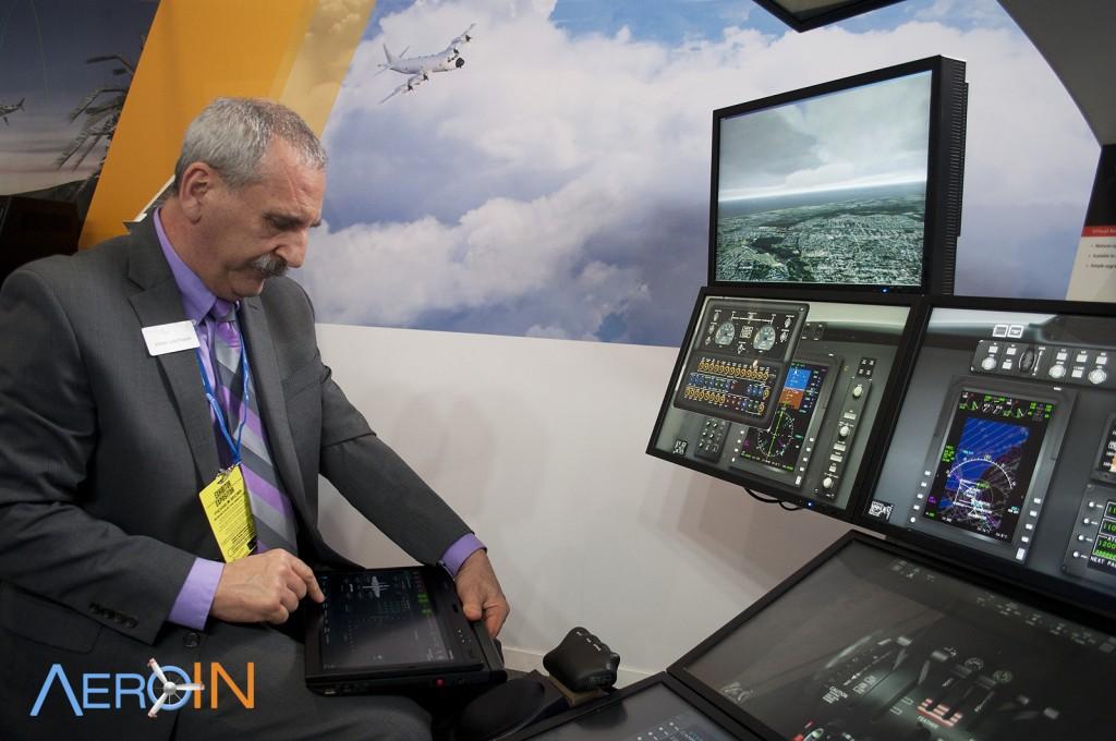 ROCKWELL COLLINS SIMULADOR 2 Virtual Avionics Procedures Trainer