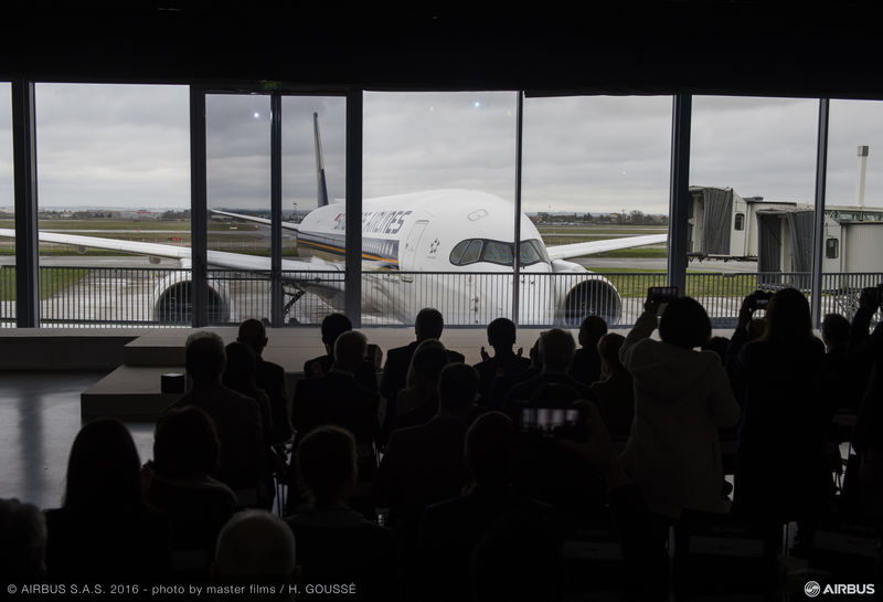 A350_XWB_SIA_DELIVERY_CEREMONY-reveal (1)