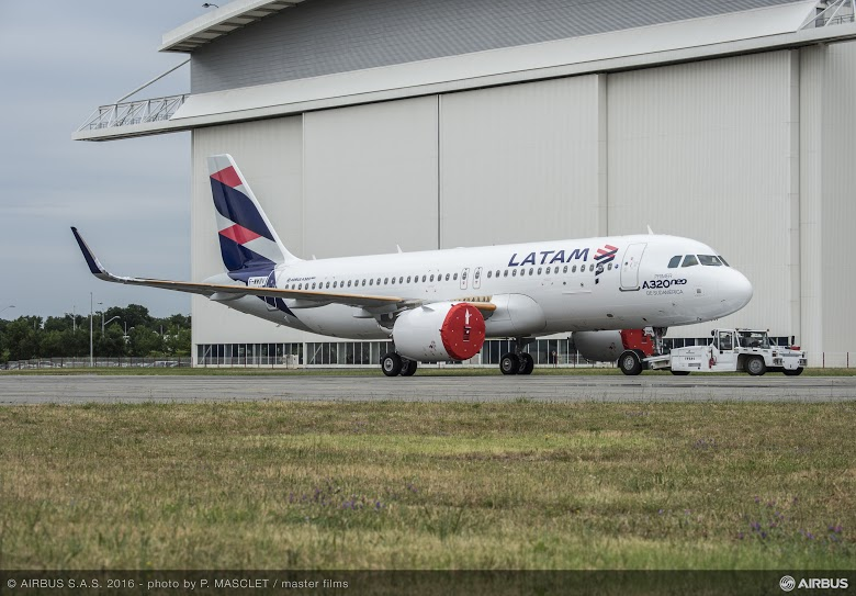 A320neo MSN7126 LATAM roll out-012