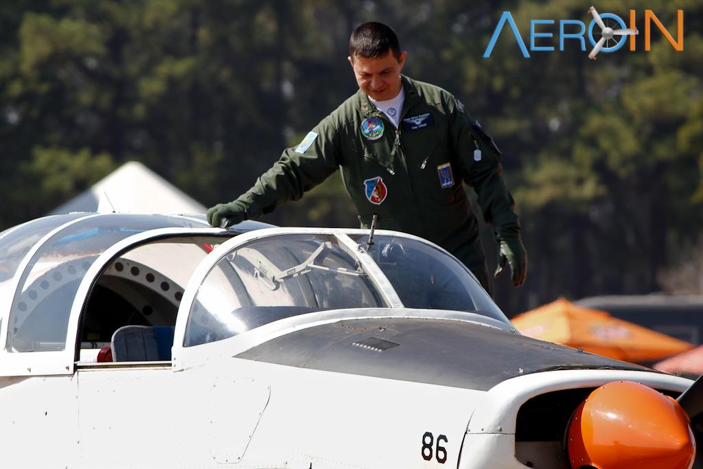 Cap. Cruz, instrutor da AFA, competiu com o T-25 Universal.