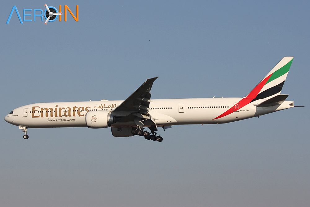 Emirates Boeing 777 432434