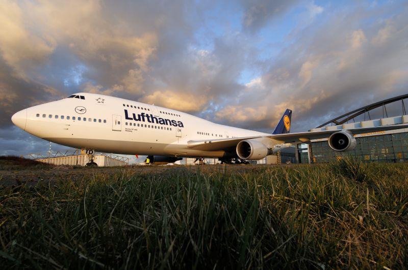 lufthansa-747-400-e