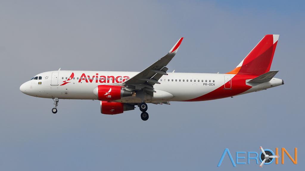 avianca-airbus-a320-161012
