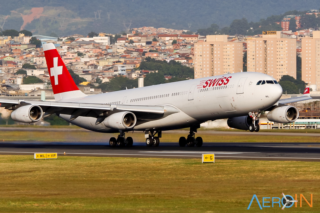 swiss-airbus-a340-161130