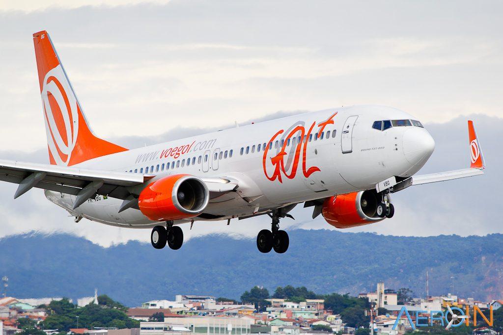 Avião Boeing 737-800 GOL