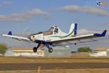 Avião Embraer EMB-203 Ipanema