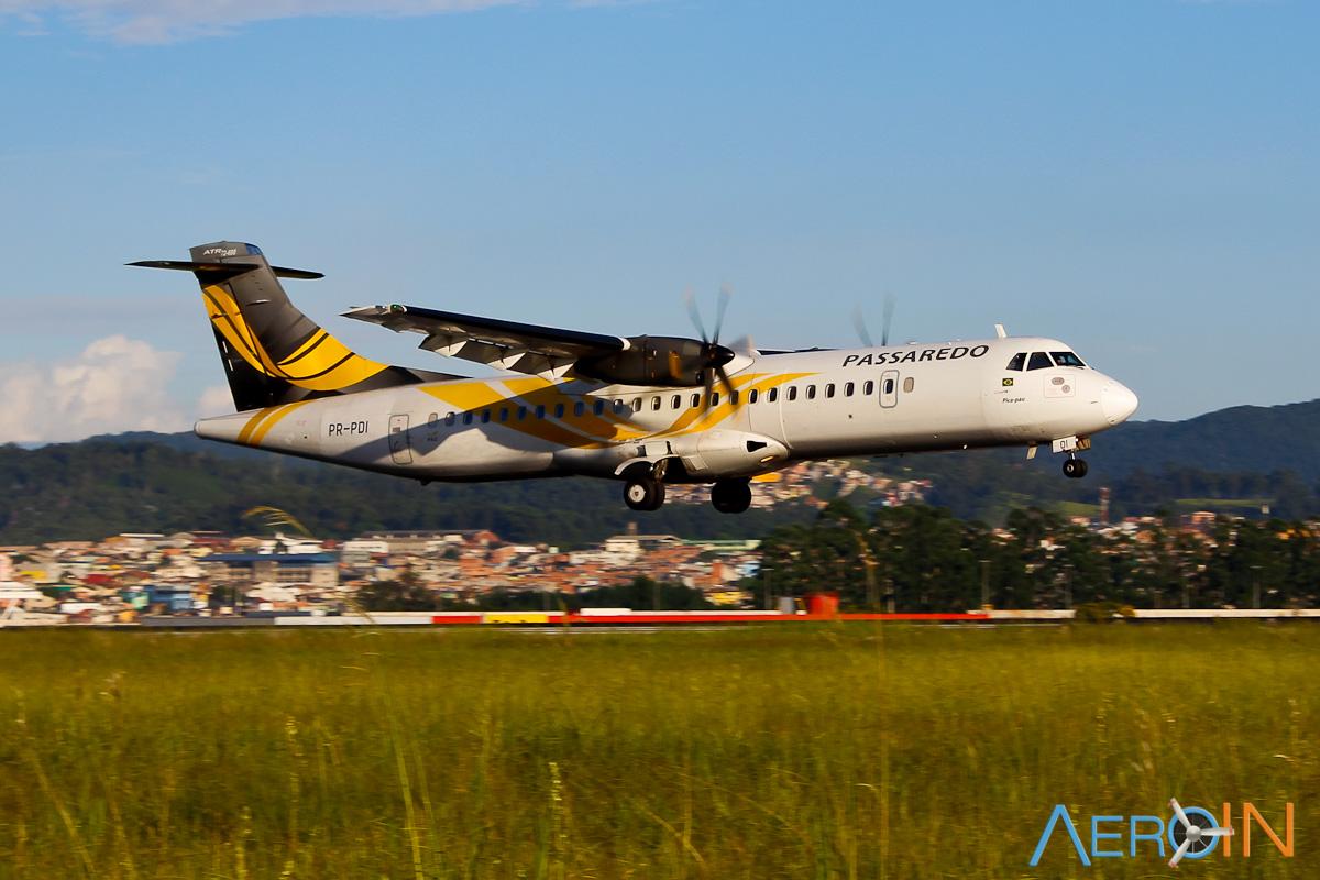 Avião ATR-72 Passaredo