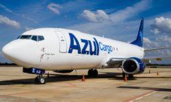Avião Boeing 737 Azul Cargo