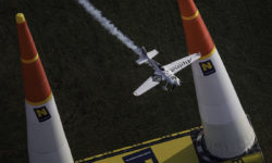 avião Red Bull Air Race Michael Goulian