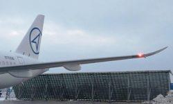 Avião Sukhoi Superjet SSJ 100 Sabrelet Winglet
