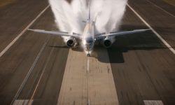 Embraer E195-E2 testes em pista alagada
