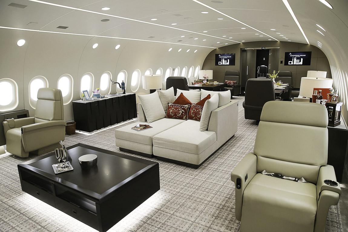 Avião Boeing 787-8 VIP Deer Jet HNA