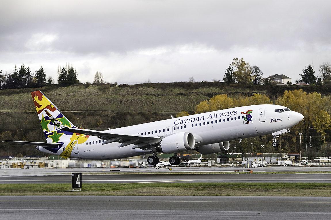 Avião Boeing 737 MAX 8 Cayman Airways
