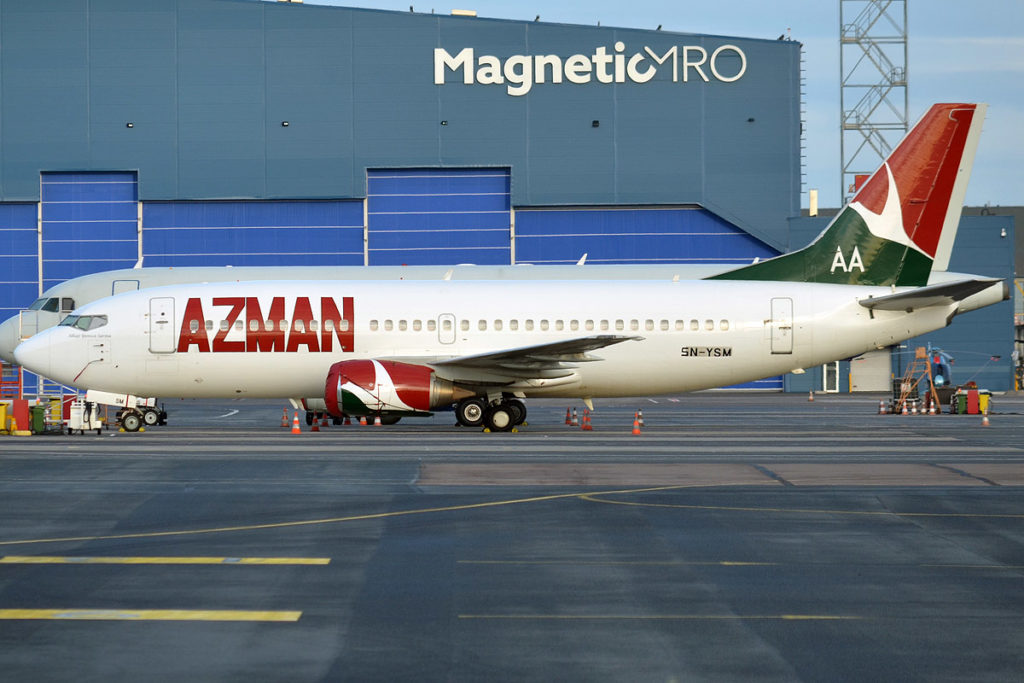Avião Boeing 737-300 Azman Air