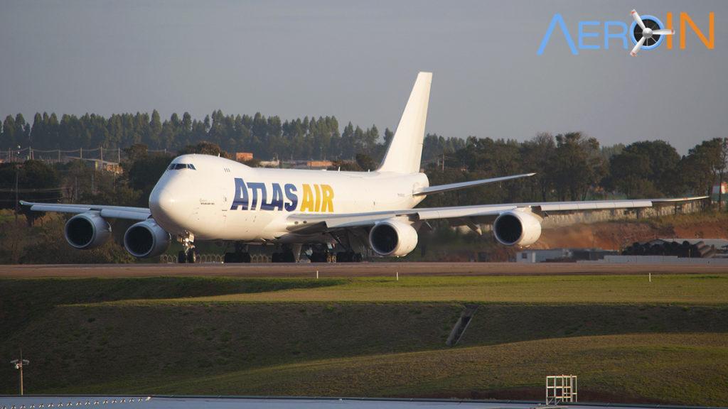 Avião Boeing 747-8F Atlas Air