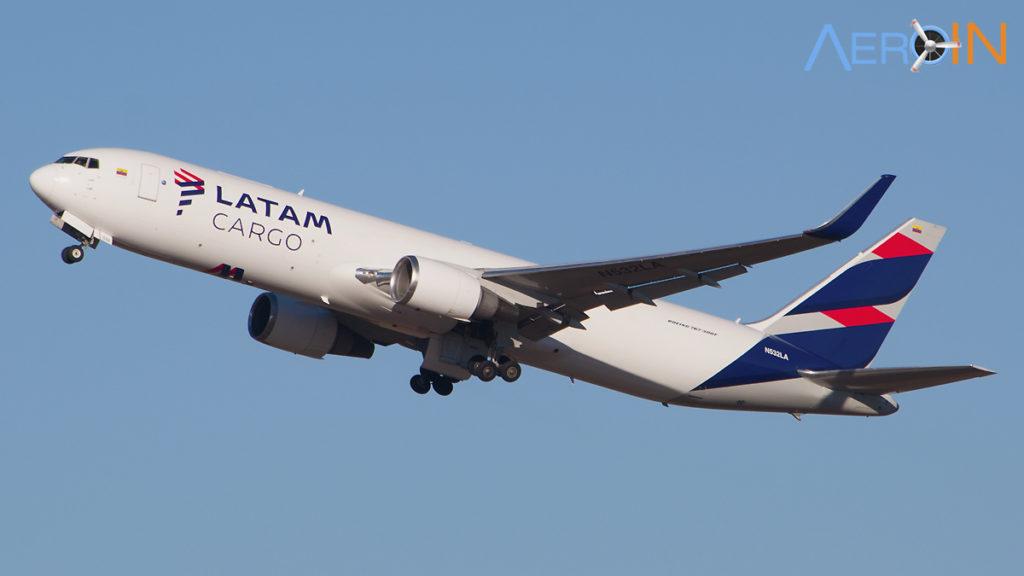 Avião Boeing 767-300 LATAM Cargo