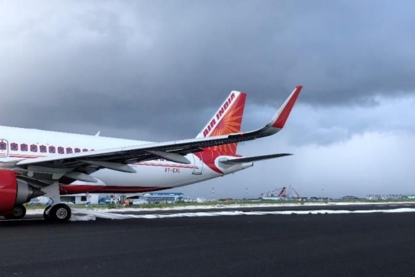 Air India A320neo pouso pista errada