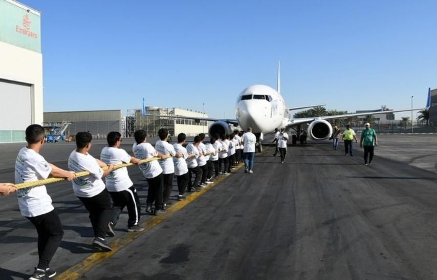 Recorde Estudantes Polícia Dubai 737 2019