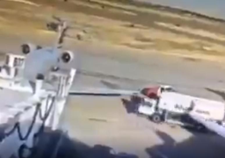 Vídeo Impacto Caminhão Combustível Avião Dallas