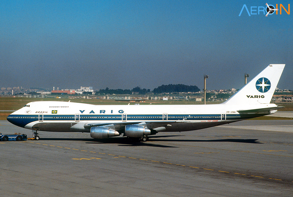 Avião Boeing 747 VARIG PP-VNA