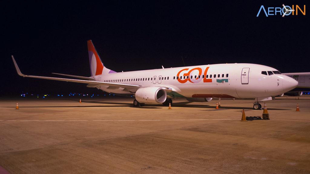 Gol 737-800 transavia remendar