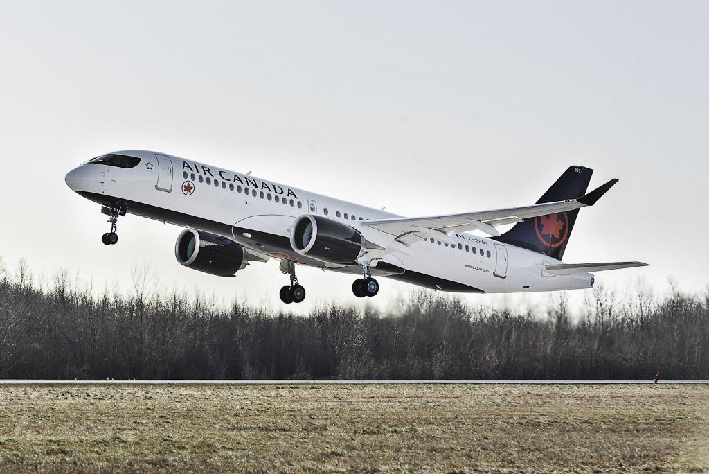 Avião Air Canda Airbus A220-300 Primeiro Voo