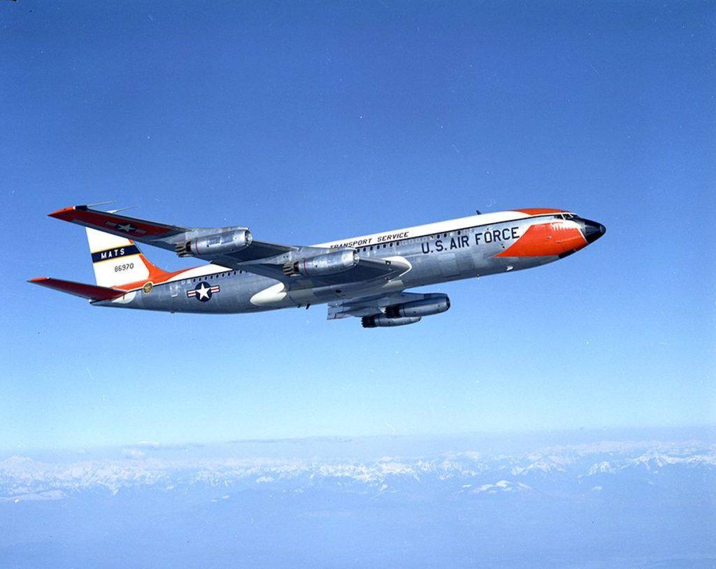 Avião Boeing 707 USAF Transport
