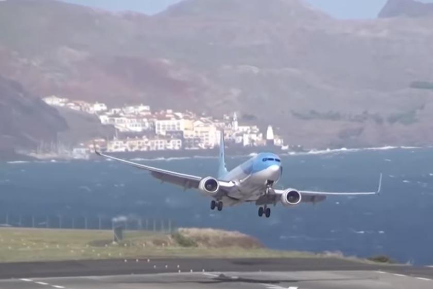 Funchal Airport Approach Crosswind