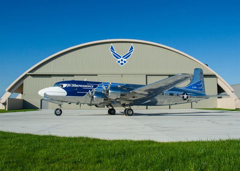 Avião VC-118 Douglas DC-6 Air Force One