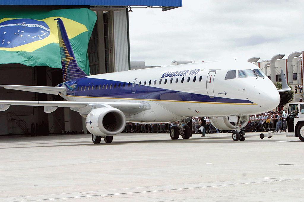 Avião Embraer E190