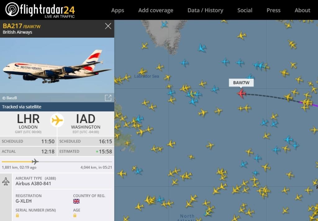FlightRadar24 aviões cor azul