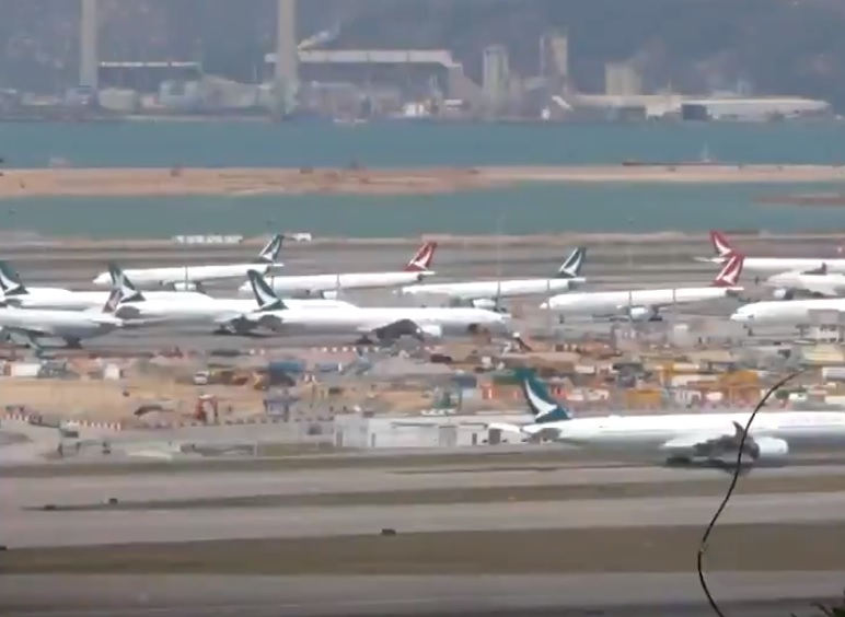 Aviões Cathay Pacific parados Hong Kong