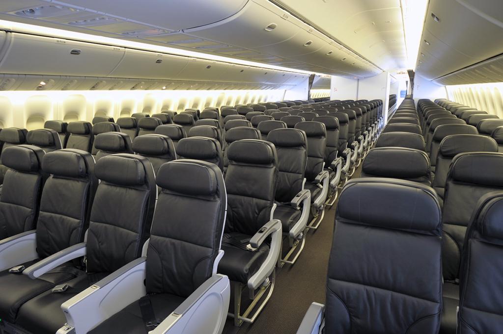 Air Canada 777-300ER Interior Assentos Econômica