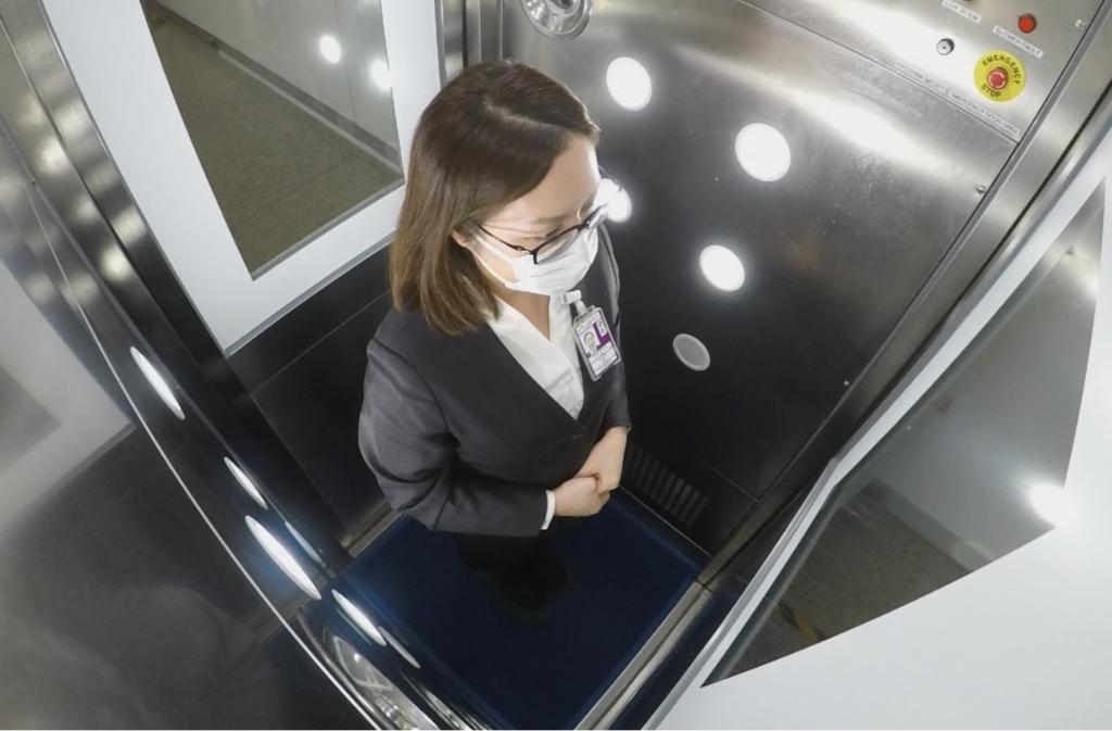 Cabine Desinfecção Pessoas Aeroporto Hong Kong