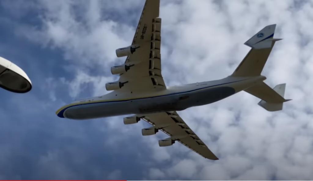 Vídeo Antonov AN-225 Rasante Chegada Warsaw Polônia